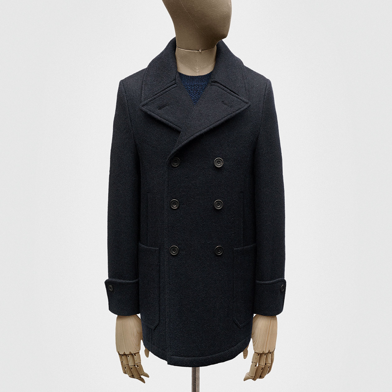 a64bfca0d13d This is a traditional sort of peacoat on the face of it