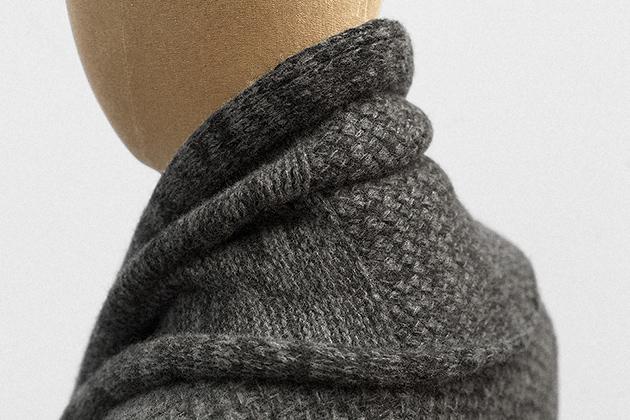 scarf-charcoal-tuck-geelong-wool-4s.jpg